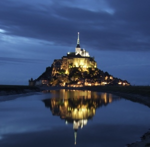 Mont-Saint-Michel-At-Night 2
