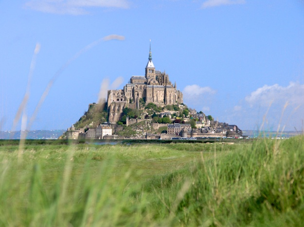 Mont_Saint_Michel_bordercropped[1]